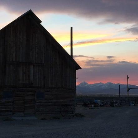 barn_at_sunset_web