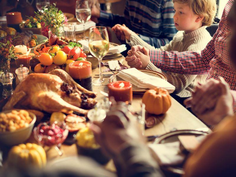 family celebrating thanksgiving.jpg